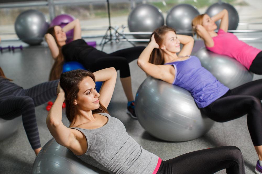 皮拉提斯球可以強化核心,讓動作有更多變化,提升運動效果。